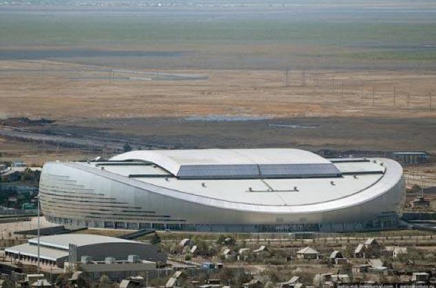 Астана (Казахстан) - крытый футбольный стадион